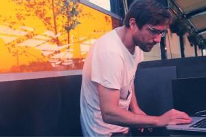DJ Isaias